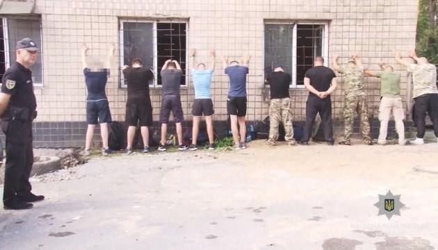 В Одессе неизвестные в масках и камуфляже пытались захватить предприятие