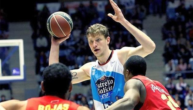Сьогодні український баскетболіст Пустовий пройде медогляд в