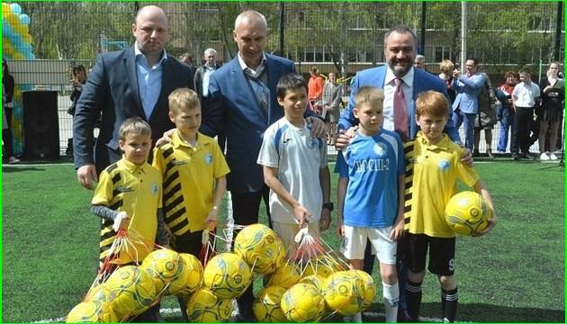 新学年开始前,乌克兰将修建数百处小型足球场