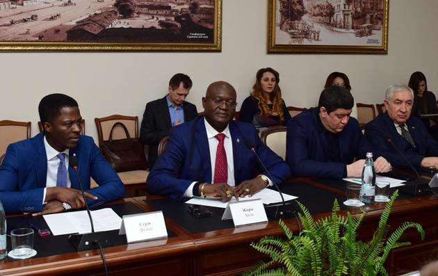 Африканці в Криму / Фото: news.sevas.com