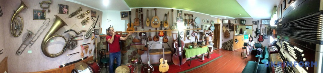 У музеї музичних інструментів