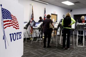 Трамп vs Байден: у США достроково проголосували вже близько третини виборців