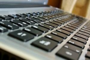Про злочин можна написати в Інтернет: в Україні запускають online-канали довіри для дітей