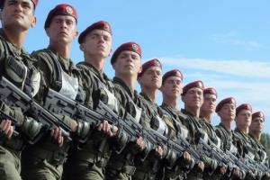 Украинские военные будут отмечать три новых праздника - Порошенко подписал указы