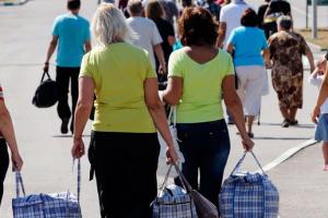 У Польщі найбільше дозволів на роботу видають українцям і непальцям