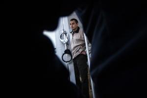 Тюремщики не передают Сенцову предоплаченные газеты - правозащитница