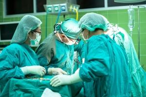 Львівські хірурги врятували немовля із численними вродженими вадами