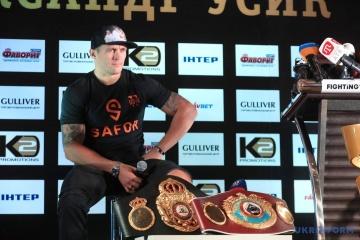 Usyk rechaza el título de Héroe de Ucrania