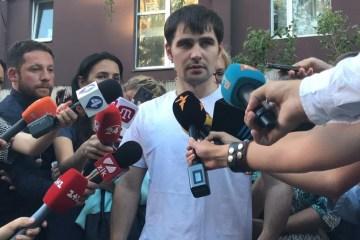 Olexandre Kostenko, ancien otage du Kremlin, arrive à Kyiv
