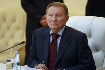 Kuchma meets with French ambassador to discuss Minsk agreements