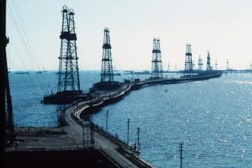 Нафта дешевшає третю сесію поспіль: Brent впала нижче $ 59 за барель