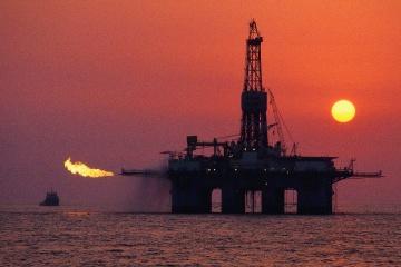 Нефть возобновила максимум этого года на фоне высокого спроса в Китае