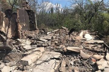 武装分子袭击顿涅茨克州尤日诺耶居民点的民宅