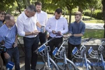 基辅市长亲测共享单车系统