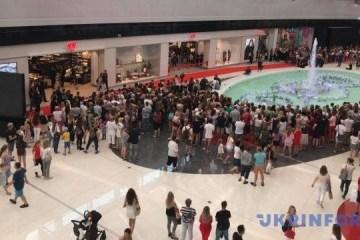 乌克兰首家H&M店开业