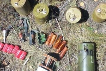 """反恐行动区发现俄罗斯生产的受禁武器""""狩猎""""型大炮"""