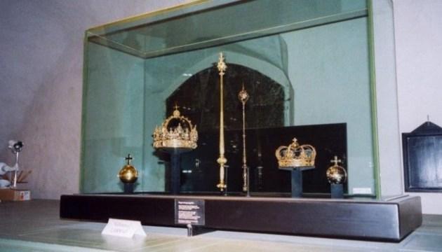 В Швеции из церкви похитили короны Карла XII и его жены