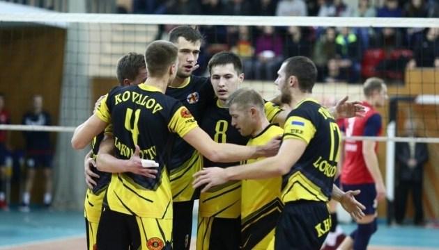 Волейбол: 17-разовий чемпіон України «Локомотив» знявся з Суперліги