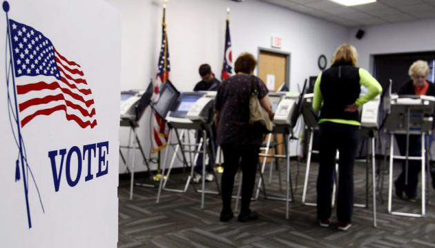 Проміжні вибори у США: Facebook та Twitter видалили мільйони проросійських постів