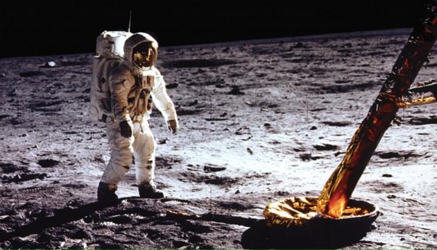 NASA обнародовало 19 тысяч часов аудиохроники миссии Apollo 11