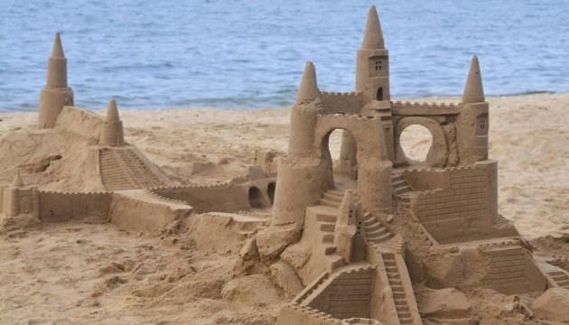 На Арабатській Стрілці пройде чемпіонат з будівництва піщаних замків