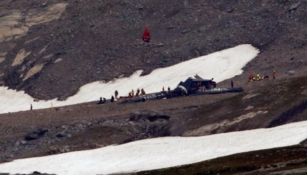 Усі 20 осіб на борту літака, що розбився у Швейцарії, загинули - поліція