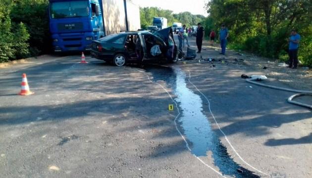 На Буковине столкнулись три автомобиля: один человек погиб и 7 пострадали
