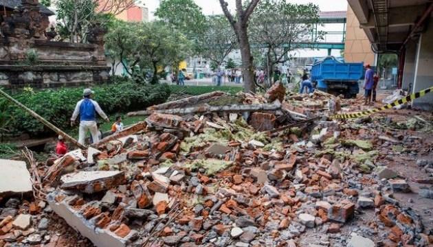 Кількість жертв землетрусу в Індонезії зросла до 381