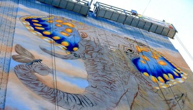 У Запоріжжі на стіні малюють гігантського слона