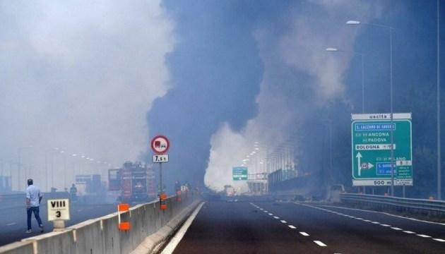 Количество пострадавших от взрывов на шоссе в Болонье увеличилось до 145