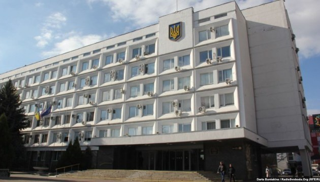 В Черкассах мэр и депутаты обвиняют друг друга в срыве сессии