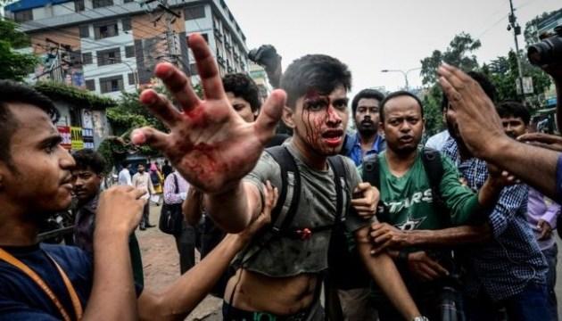 У Бангладеш - зіткнення опозиційних активістів і поліції, є постраждалі