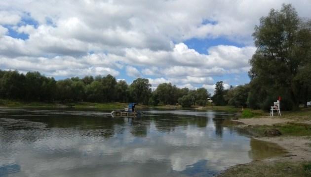 Коммунальщики расчистят Синее озеро на Виноградаре