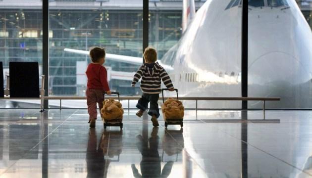 У Мін'юсті роз'яснили правила перетину кордону дітьми