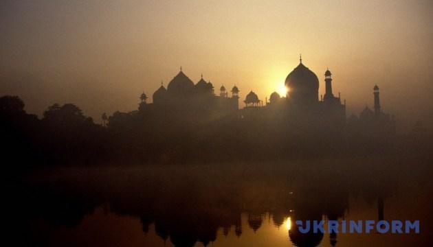Індія знову відкриває для відвідування музеї і пам'ятки