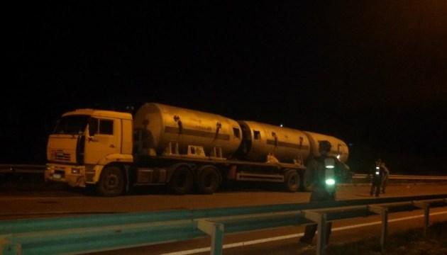 На трассе Киев - Чоп из автоцистерны испарялось неизвестное вещество