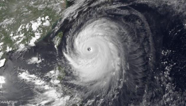 У Китаї через тайфун евакуювали понад 200 тисяч людей