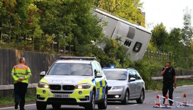 Авария автобуса в Британии: пострадали более 40 человек