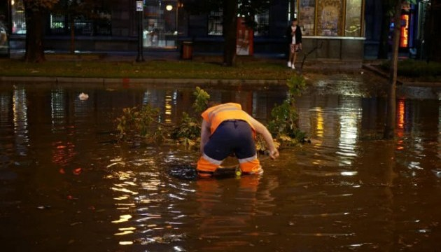 Ночной ливень затопил центр Киева