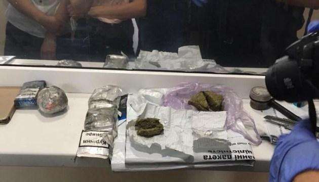 Прокуратура займется подполковником, носившим наркотики заключенным Одесского СИЗО