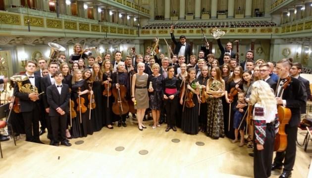 Lleno en el concierto de jóvenes músicos ucranianos en Berlín (Foto, Vídeo)