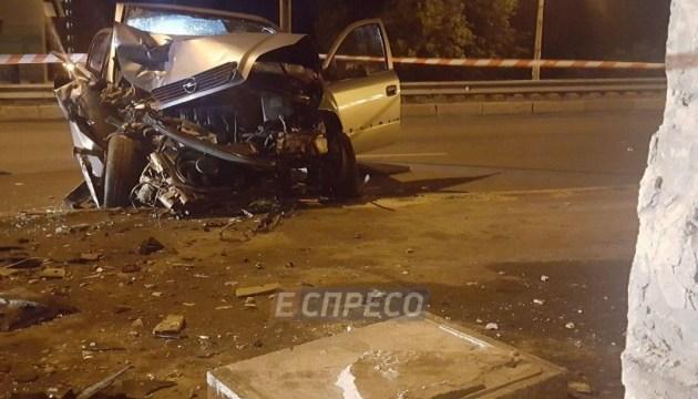У Києві у нічній ДТП загинула пасажирка таксі