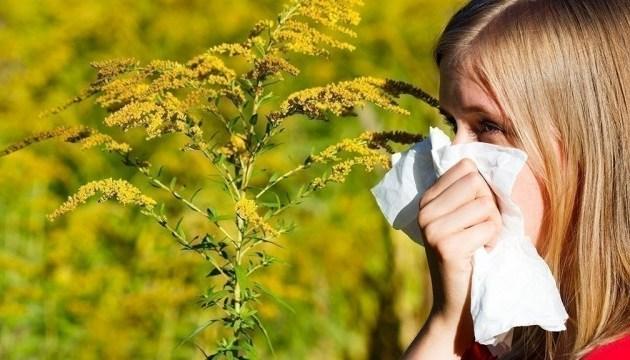 Украину накрыла третья волна сезонной аллергии — важные советы врача