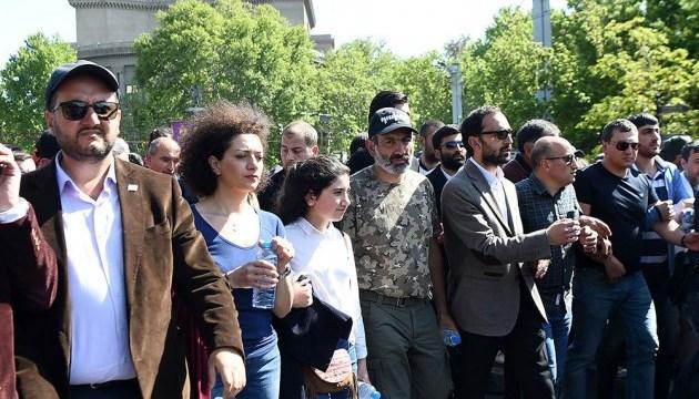 Сто дней свободы: в Ереване проходит митинг сторонников премьера Пашиняна