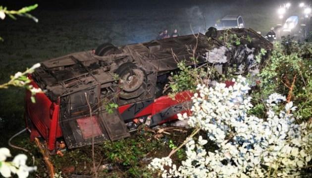 В Польше автобус с украинцами упал со склона, есть жертвы