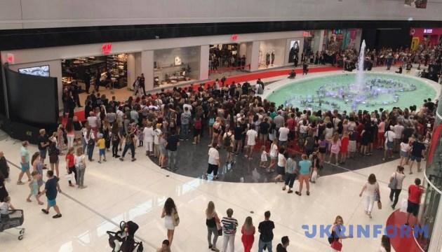 В Україні відкрився перший магазин H&M