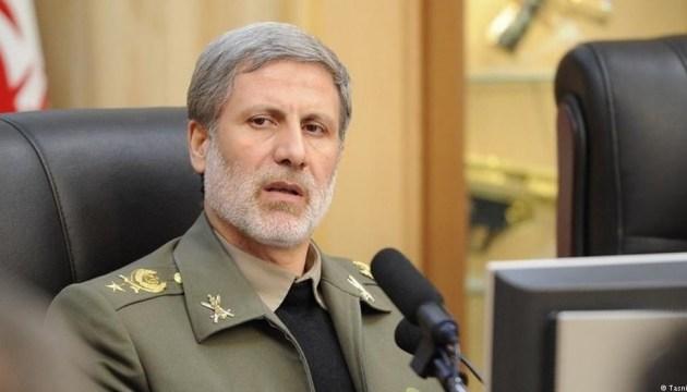 Иран обещает показать новый истребитель