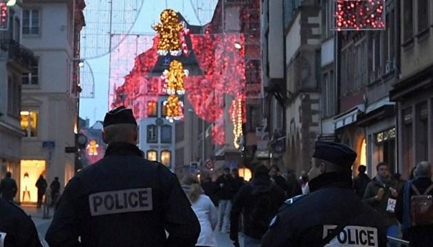 Во Франции авто въехало в толпу возле ночного клуба – семеро раненых