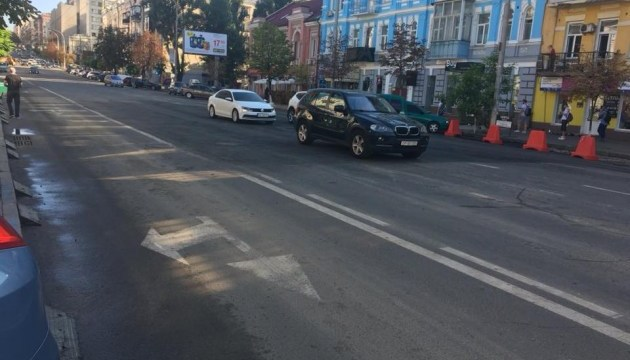 Після зливи у столиці відновили рух вулицею Антоновича
