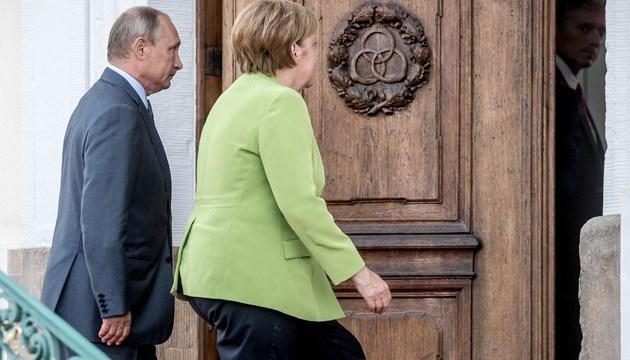 У Берліні сказали, про що домовилися Меркель і Путін